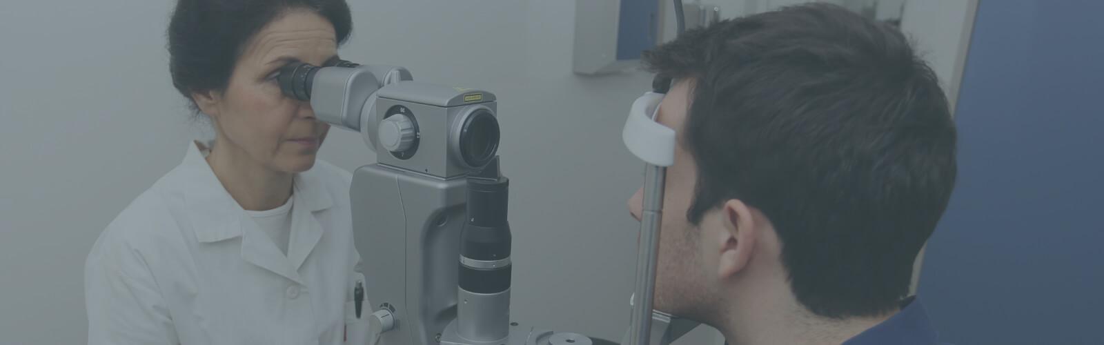 Consultation avec un ophtalmologue - Val d'Oise