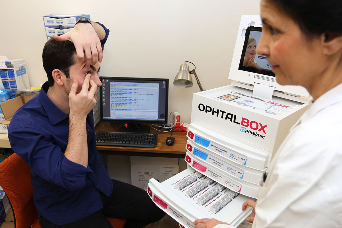 Les pr cautions en cas de port de lentilles de contact - A quel age peut on porter des lentilles de contact ...